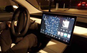 Pantalla del Tesla Modelo 3